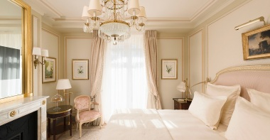 ritz-paris-hotel-suite-executive-1_0